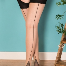seamed-stockings-contrast-nude-black-glamour